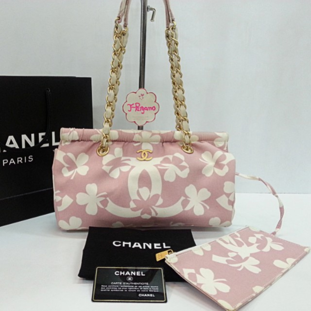 Authentic Chanel Camellia Fabric Shoulder Bag With Matt Gold Hardware  {{ Only For Sale }} ** No Trade ** {{ Fixed Price Non-Neg }} ** 定价 **