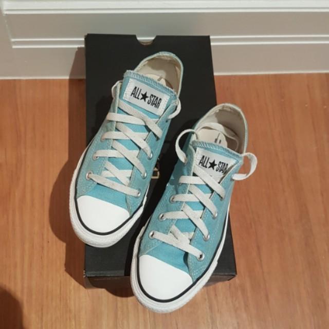 Blue Converse size 6
