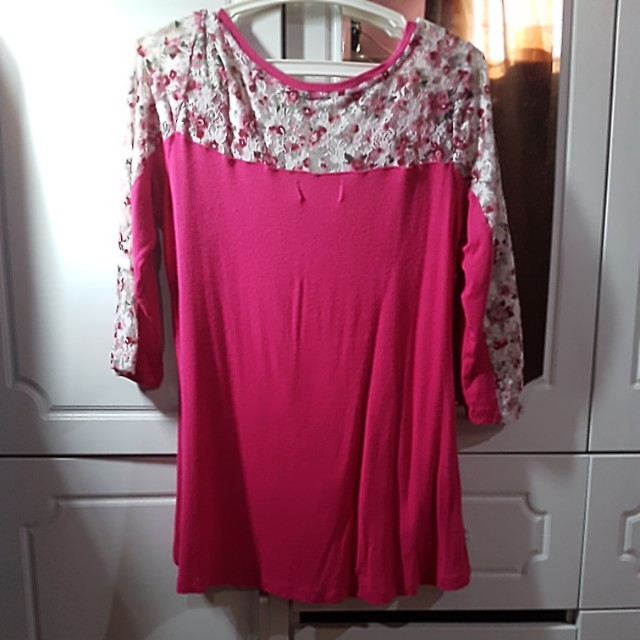 Candie's long sleeve lace top