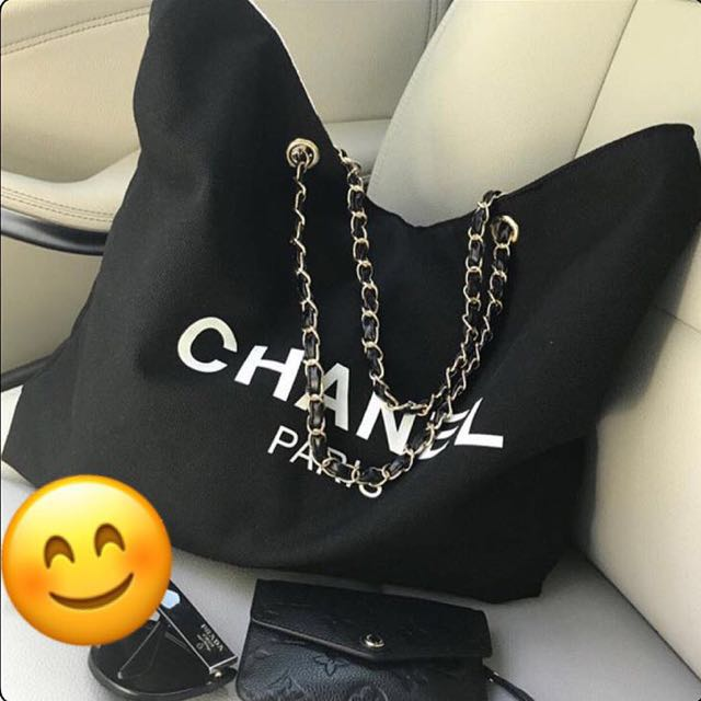 Chanel Canvas tote gold hardware