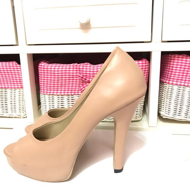 Claymore cream heels