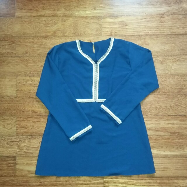 Baju Kaos navy blue chic and stylish