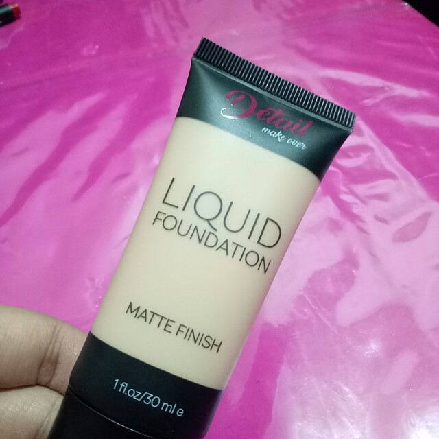 Detail Makeover Liquid Foundation