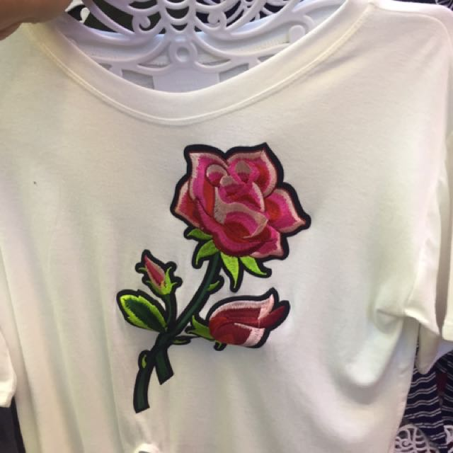 EMBROIDERED ELEGANT TOPS - Fits from small to Semi Large, Colors avaibale - Black, Red, Green, White