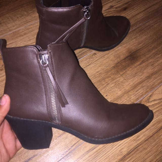 Forever 21 booties - size 8