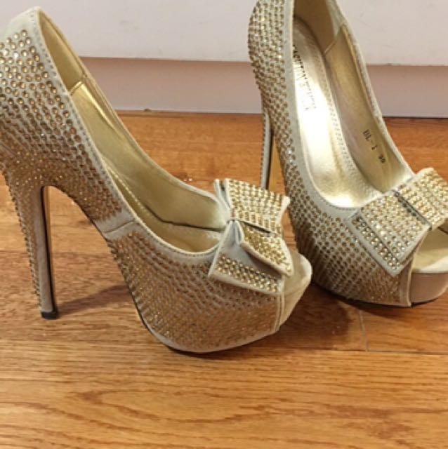 Gold peep-toe stilettos size 5
