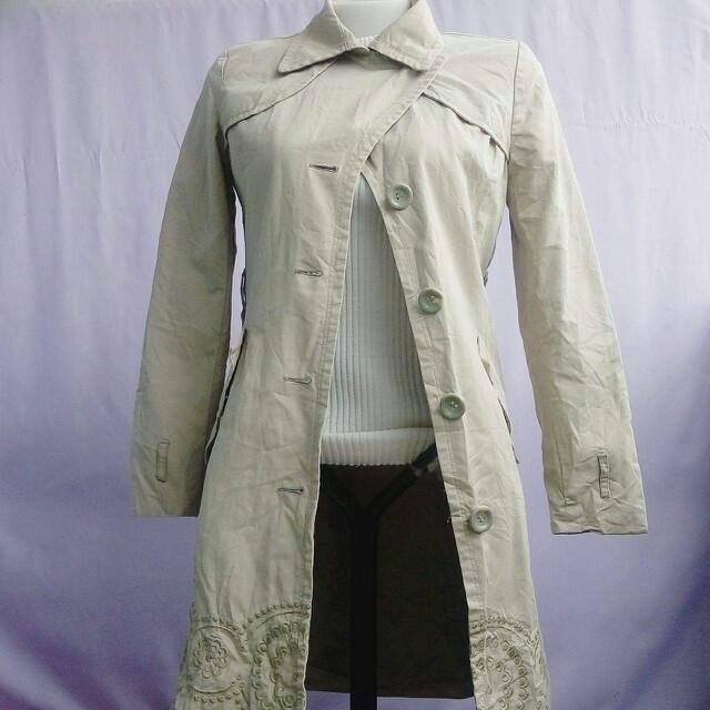 light chestnut coat