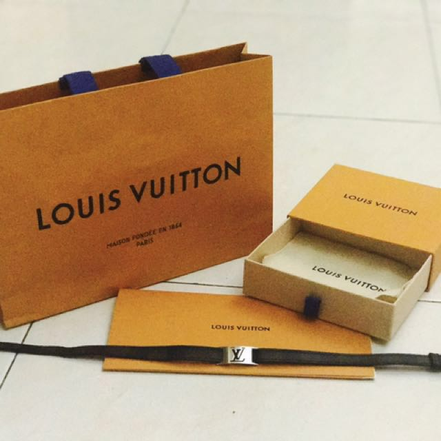 LOUIS VUITTON LV MEN SIGN IN BRACELET