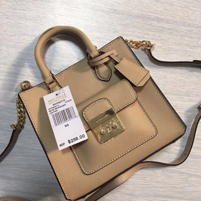 3549c9c7c564 Michael Kors Hand Carry   Sling Bag