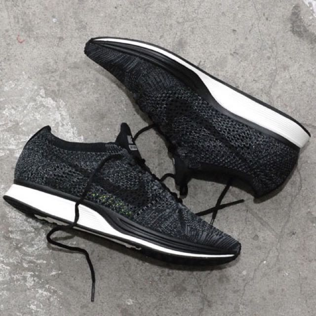 Dibujar Abreviar consumo  Nike Flyknit Racer Blackout / US7 / BNIB, Men's Fashion, Footwear on  Carousell