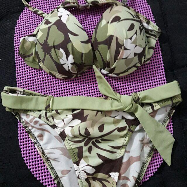 Pre Loved Printed Bikini by PointConception