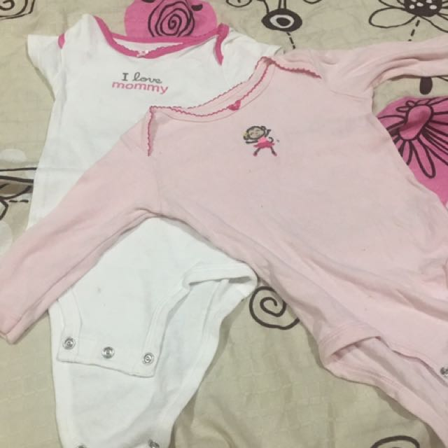Preloved carters onesies 6 months