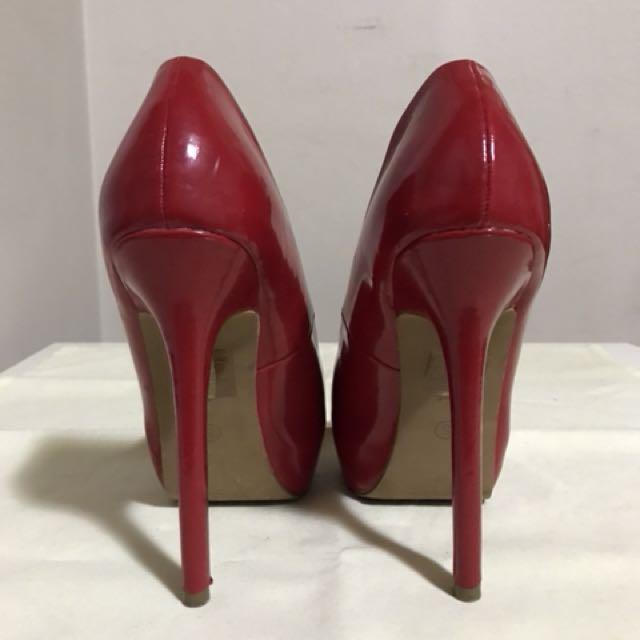 Sexy Red Stilettos Size 5