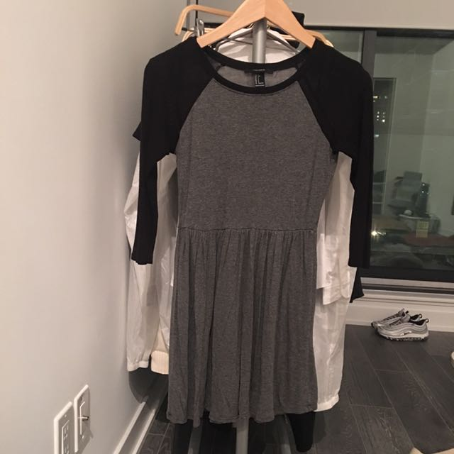 SIZE SMALL FOREVER21 BASEBALL TEE DRESS