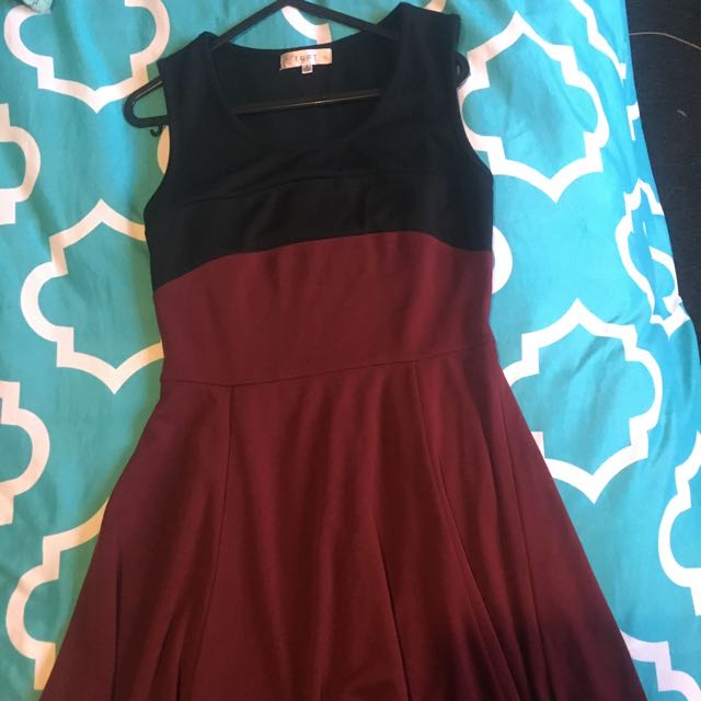 Temt maroon dress