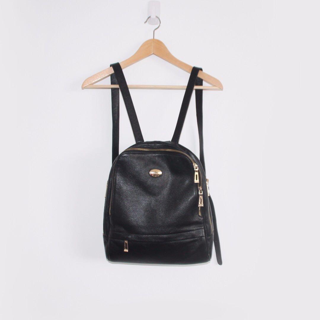 VALOJUSHA backpack in black