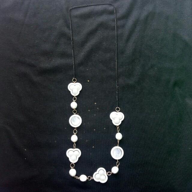 White Fashion Necklace