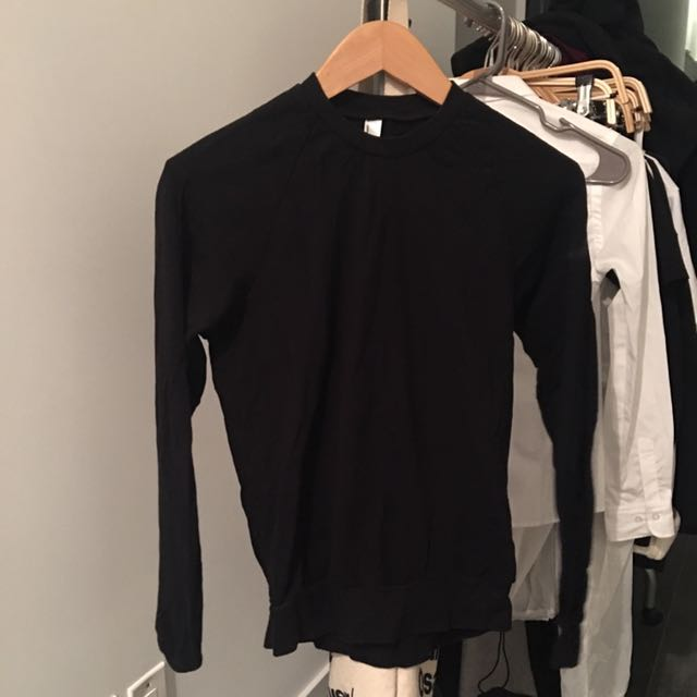 XS AMERICAN APPAREL LONG SLEEVE SWEATER