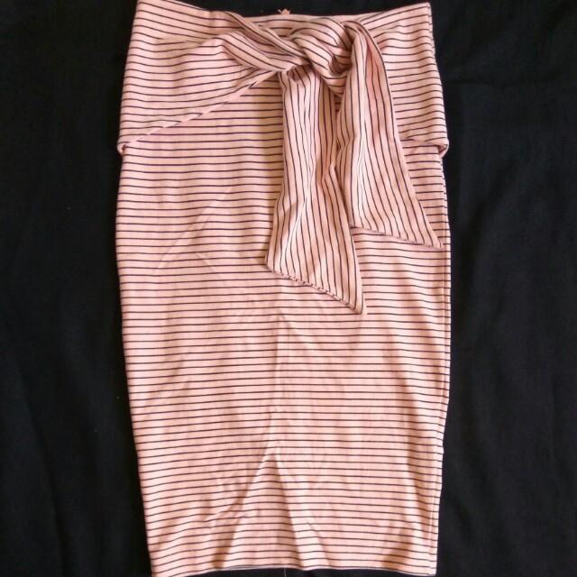75b554b339 Zara Trafaluc Stripe Pink Midi Pencil Skirt, Women's Fashion ...