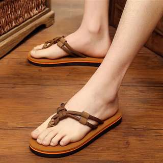 <BRAND NEW> Fashionable Slippers