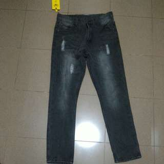<BRAND NEW> Korea Skinny Jeans In Grey With Rips