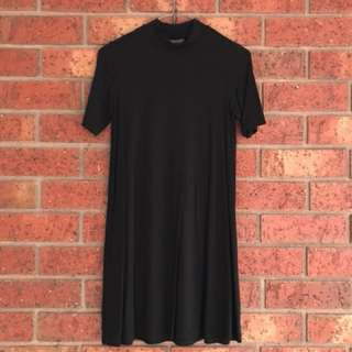 Black swing dress with slight turtle neck size 6