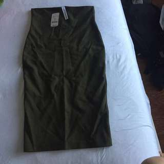 M boutique olive body con pencil skirt