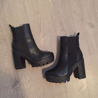 Size 8 chunky boots
