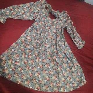 Dress floral unyu aksen bagian punggung