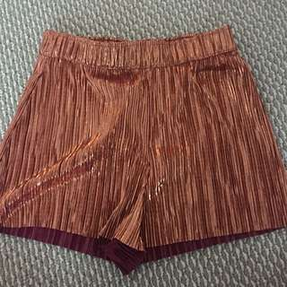 BNWT H&M Gold Shimmer Shorts Size 6-8