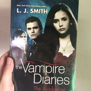 The Vampire Diaries series (all 4 for 250)