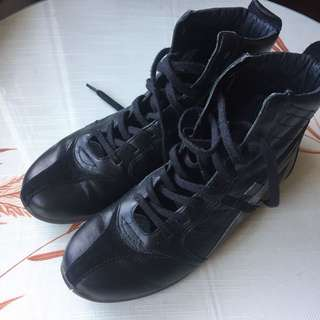 EUC Diesel High top lace up leather boots size 36