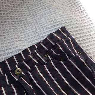 Striped 3/4 Pants