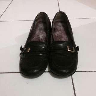 GOCCE black flat shoes