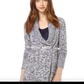 Aritzia sweater size xs