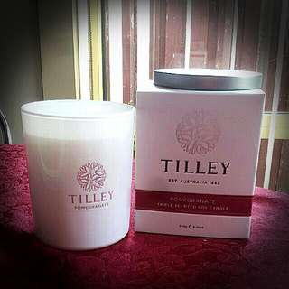 Tilley pomegranate 240g soy candle