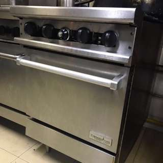 4-ring Thermatek Commercial Stove with Oven