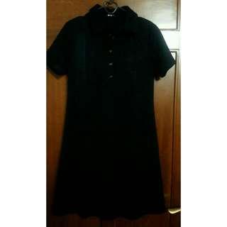 Dress Hitam Berkerah