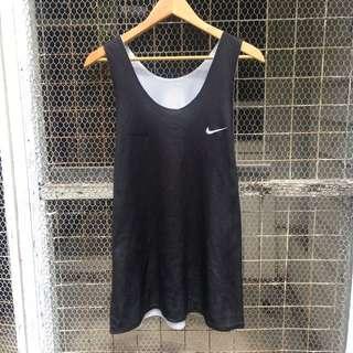 Reversible Nike black and white mesh singlet