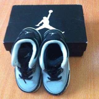 Jordan Shoes Wolf Grey