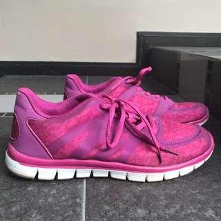 Sepatu Keds Rubi