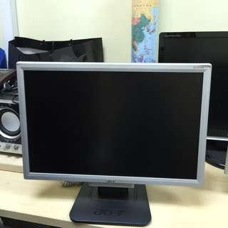 ACER Monitor Screen + Keyboard (In good working condition)