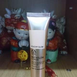Body Shop Instaglow CC Cream in Peachy Glow