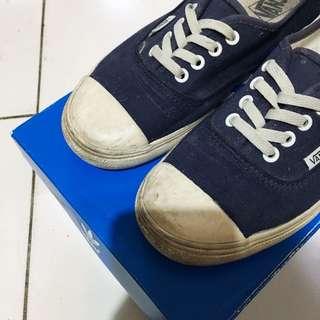 Vans 奶油底帆布鞋