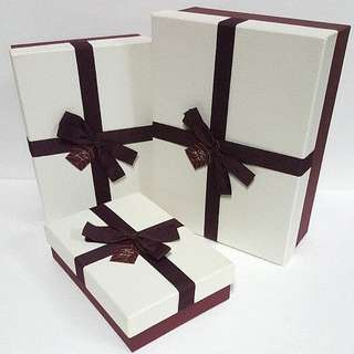 Gift Box, with Fabric Ribbon detail ↪ Rectangle 🎁🎁  💱 (S) $8.90 to (L) $15.90 Each Piece