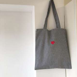 全新 復古黑白格仔 紅心刺繡圖案 帆布袋 少女 文青 方便 環保袋