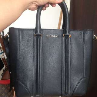 SALE‼️Givenchy