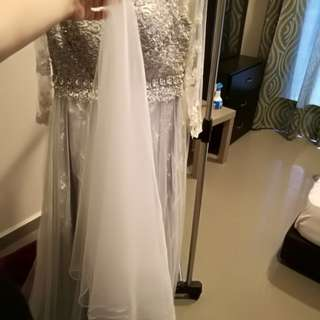 Veil with ribbon lining