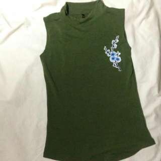 Top w/ embroided