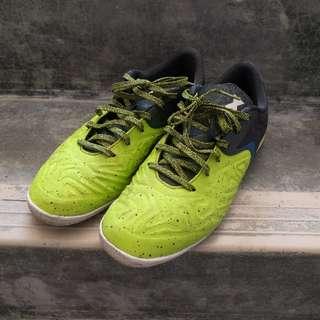 Adidas X15.2 Indoor